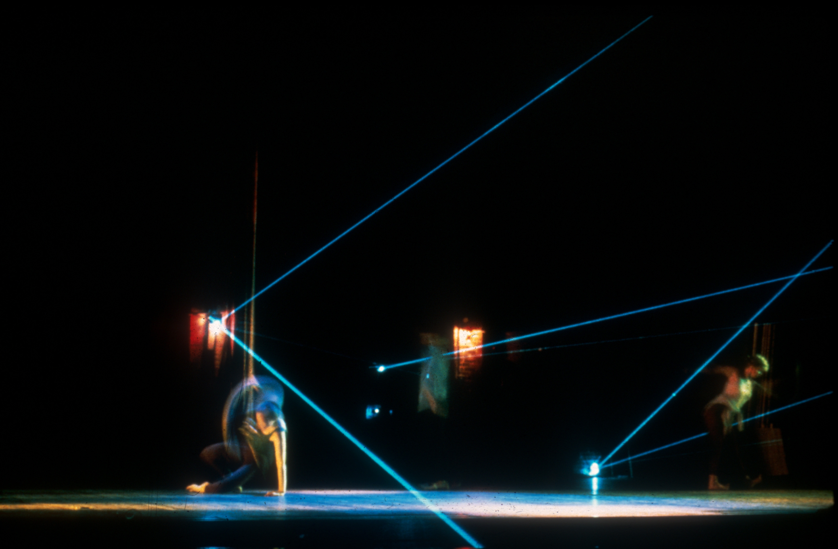 Dancer on floor_hand in Laser