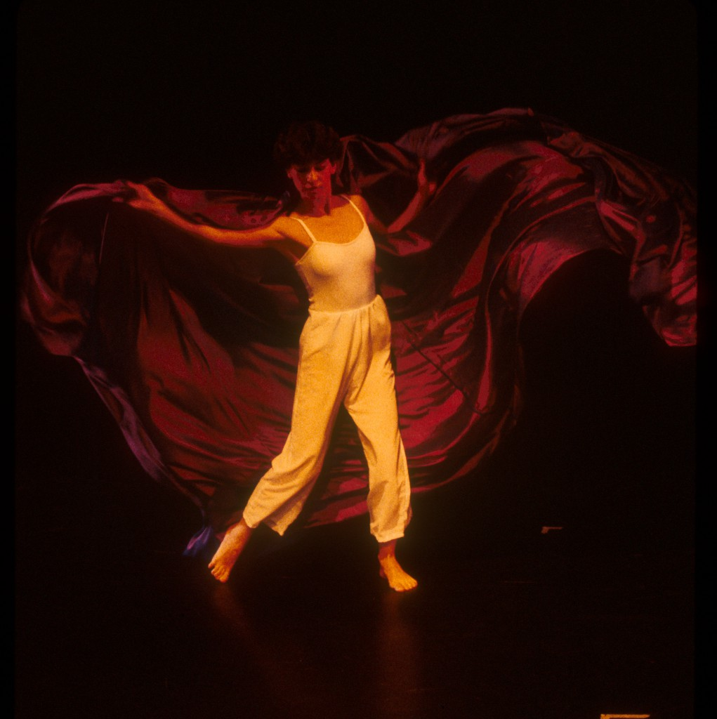 Dancer with purple fabricRev72.